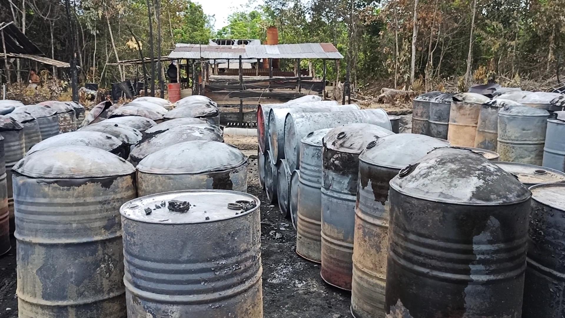 ngaku-polisi-oknum-otd-usir-wartawan-muba-online-saat-bertugas-di-lokasi-penyulingan-minyak-terbakar-di-desa-sukajaya-muba166g11619104635.jpg