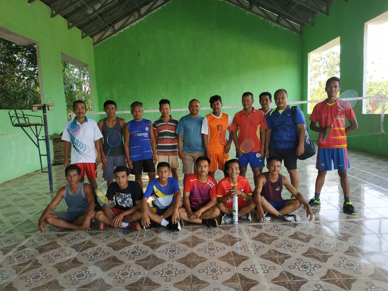 pererat-silahturahmi-desa-sungai-dua-dan-pt-sawit-sms-gelar-turnamen-badminton-akhir-tahun-2019-muba1970z1576416255.jpg