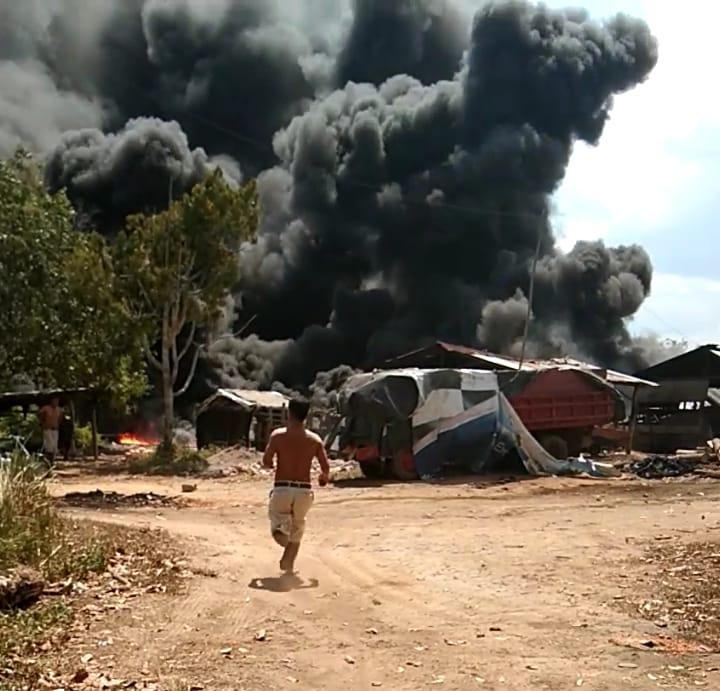 tempat-penyulingan-minyak-dikelurahan-babat-terbakar-muba297hq1566477877.jpg