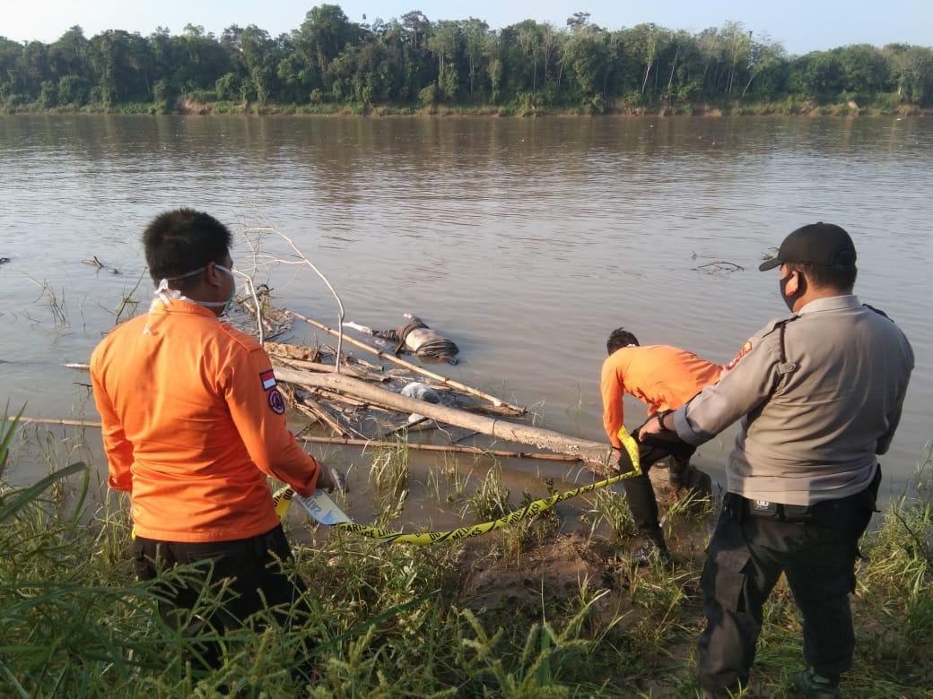 temuan-mayat-di-sungai-musi-keluarga-yakin-prayudi-yang-hilang-27-hari-lalu-muba176mk1602040046.jpg