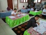 Proses seleksi administrasi terhadap berkas administrasi calon duta baca sekolah