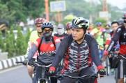 Plt Bupati Musi Banyuasin (Muba) Beni Hernedi mengajak masyarakat di Kabupaten Muba hidup sehat dengan bersepeda.