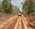 Perbaikan yang dilakukan meliputi Pembuangan Lumpur Pada Badan Jalan sekitar 500 M, Pembentukan Badan Jalan Sepanjang 4.000 M dengan Lebar 6 M.