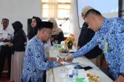 Camat Sekayu Marko Susanto, SSTP MSi bersama Lurah dan Kades di wilayah Kecamatan Sekayu telah menandatangani fakta integritas, Senin (17/2/2020) di kantor camat Sekayu.