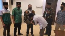 Didatangi Pemuda Ansor, Sekda Muba Apriyadi Diberi Jaket dan Dipercaya Sebagai Ketua Penasehat PC Ansor Kabupaten Muba