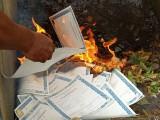 Pemusnahan 382 lembar blanko ijazah edisi 2019-2020 oleh Disdikbud Muba