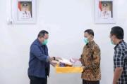 Dodi Reza Salurkan Bantuan APD ke RS Muhammadiyah Palembang