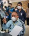 Berbeda dengan daerah lain, pelaksanaan vaksin COVID-19 serentak yang dilakukan di Kabupaten Musi Banyuasin (Muba) pada Selasa (25/1/2020) juga ditandai dengan pemberian kartu Identitas (ID Card) kepada warga yang sudah mendapatkan suntikan vaksin.