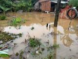 Hujan Lebat Mengguyur Desa Lais, Beberapa Tempat Usaha Warga Tutup Karena Tergenang Air