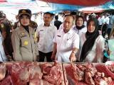 Kapolres Muba beserta rombongan saat sidak pasar Sekayu