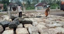 Foto : Tempat Pengepulan Getah Karet di DeSa Lais Kecamatan Lais