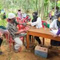 Dengan menggandeng Pondok Bersalin Desa (Polindes) PT DSSP secara estafet memberikan pengobatan gratis kepada lansia dan balita di sejumlah Desa.