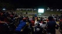 Ratusan warga padati lapangan gelanggang remaja sekayu Nobar SFC
