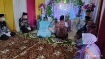 Menikah Ditengah Corona, Petugas Pencatat Nikah dan Saksi Nikah Disemprotkan Wipol
