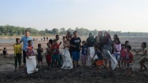 Menuju World Cleanup Day 2019, Komunitas di Muba Bersih-Bersih Sungai Musi