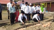 Peletakan Batu Pertama oleh Bupati Muba H Dodi Reza Alex diwakili Asisten Bidang Pemerintahan dan Kesra Setda Muba H Rusli SP MM.