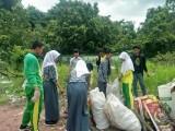 Aksi Bersih Sampah Di SMAN 2 Lais Oleh Osis dan Kuyung Kupek Smandalas