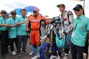 Racer dari Inggris Lewis Cornish berhasil menunjukkan performa terbaik dan meraih posisi terbaik dipodium.