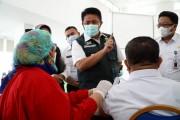 1704 orang guru dan 240 orang tenaga pendidik mendapatkan suntikan   vaksin covid-19 di Sumsel