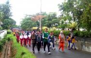 jalan sehat yang dilaksanakan Karang Taruna Kecamatan Sekayu, bertempat di Sekayu Water Front atau taman kirab (23/3/2018).