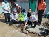 Sekda Muba Apriyadi Letakkan Batu Pertama di Rumah Ishak