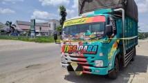 Truck yang terparkir di depan RSUD Bayung Lencir sejak tadi malam dan telah di Pasang Police Line oleh pihak kepolisian.