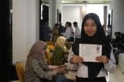 Ulil Ma'rufah akrab dipanggil Ulil (23) salah satu peserta yang menempati peringkat pertama dalam hasil Seleksi Kompetensi Dasar (SKD) untuk formasi Guru Kelas Ahli Pertama di SD N 5 Mangsang Kecamatan Bayung Lencir Kabupaten Musi Banyuasin (Muba).
