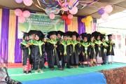 Acara Pelepasan dan Wisuda dilaksanakan di Halaman Yayasan Miftahul Falah Kelurahan Mangun Jaya Kecamatan Babat Toman