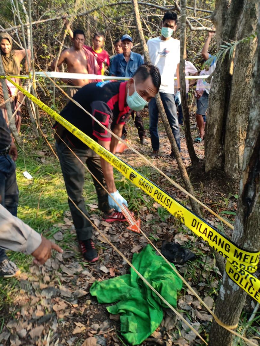 tulang-belulang-manusia-ditemukan-dilumpatan-polisi-lakukan-penyelidikan-muba245o31568371812.jpg